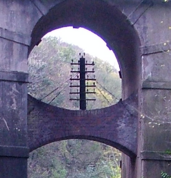 Close up of the integral 5 armed telegraph pole in Bridge 39